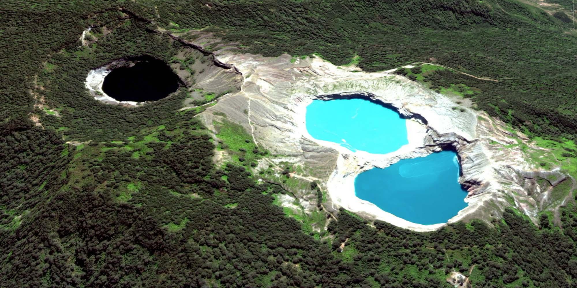 Kelimutu Lake The Exotic Three Colors Lake In Flores