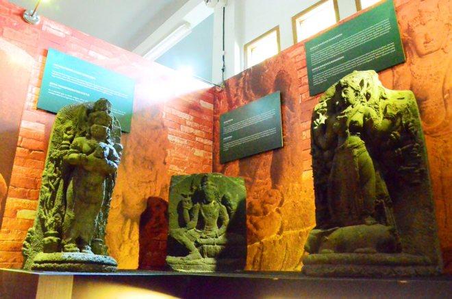 Koleksi Arca di Museum Mpu Tantular Sidoarjo [Hak Milik Foto: Pariwisata Sidoarjo]