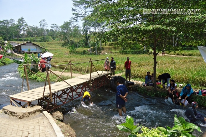 Jembatan Sumber Maron