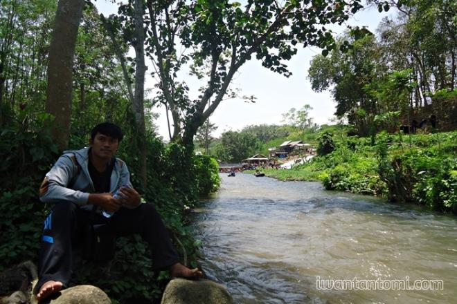 Sungai di Sumber Maron