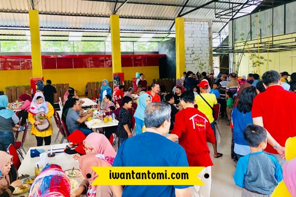 Suasana di Warung Pedas Tangkilsari Malang yang baru
