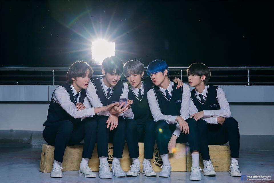TXT member dari kiri ke kanan: Heuning Kai, Soobin, Beomgyu, Yeonjun, Taehyun © Big Hit Entertainment